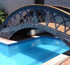 Piscina de Alvenaria com Ponte
