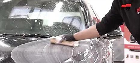 Fusso Coat F7 lavando carro
