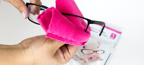 Limpando óculos Fuitari na