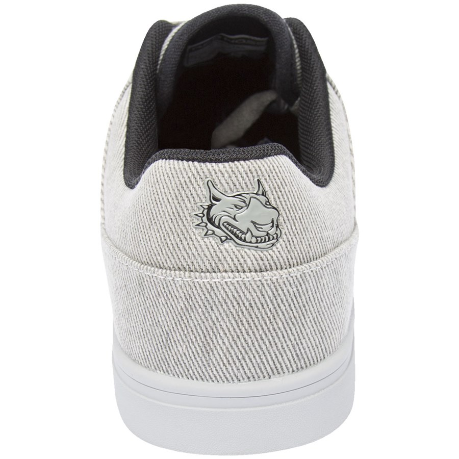 6735b0a0be TENIS RED NOSE KINGPIN II - Two Feet